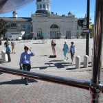 Kingston trolly tour - Bag Piper in Market Square