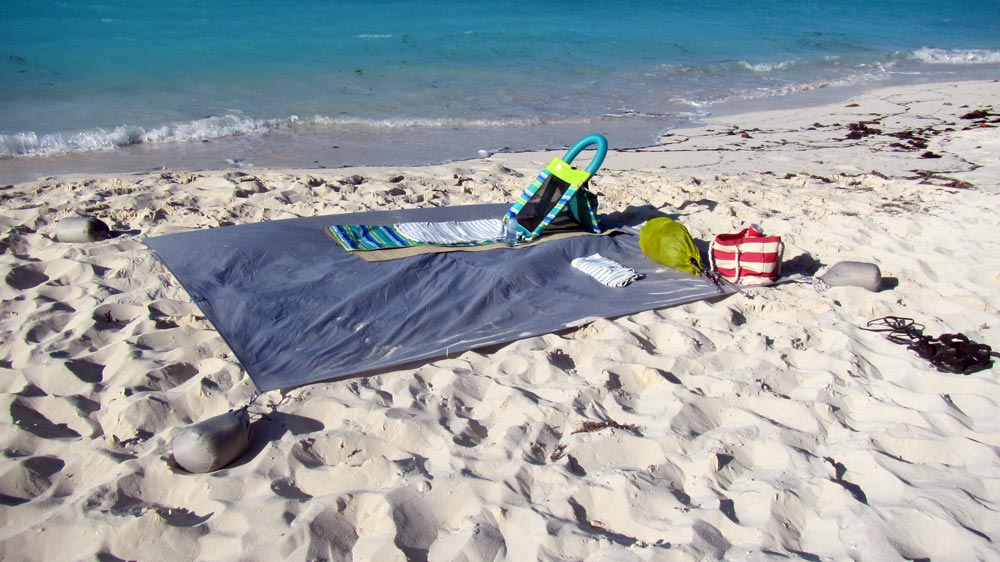 MEC Scout tarp at the beach